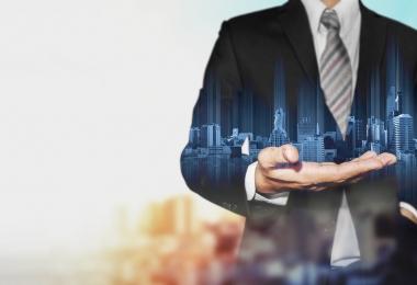Saiba o que fazer na hora de contratar uma empresa de prestação de serviços para seu condomínio.